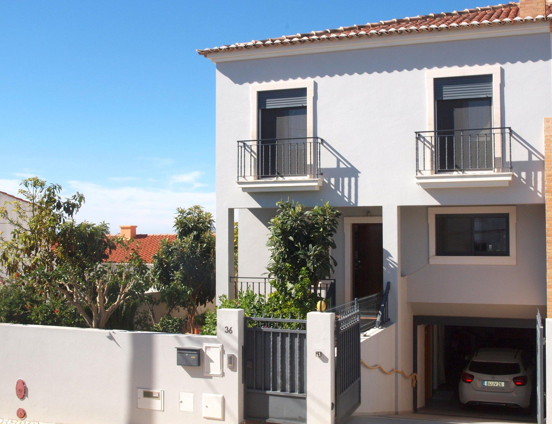4 Bedroom Villa Santa Barbara de Nexe, Central Algarve Ref: RV5463