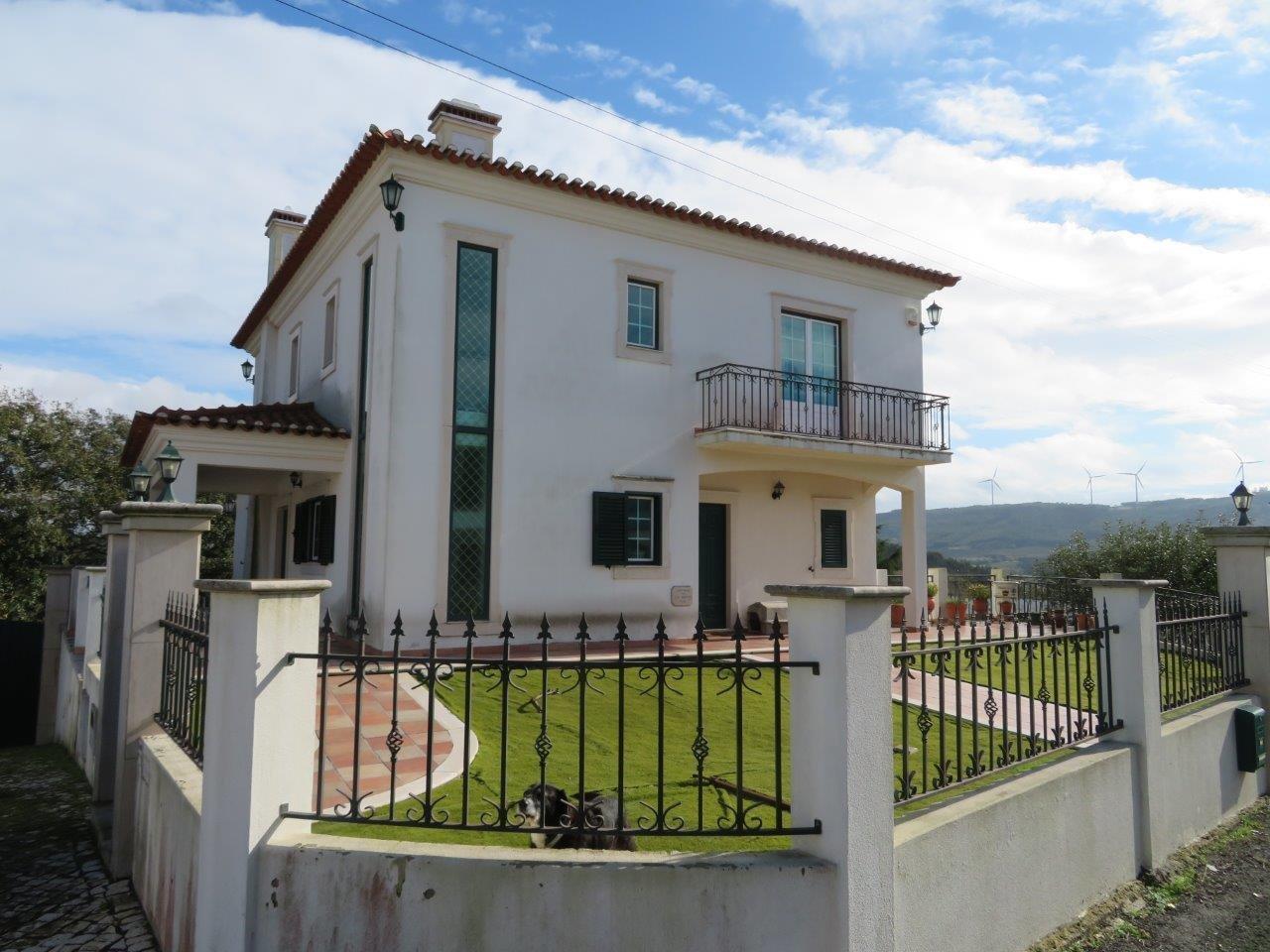 4 Bedroom Villa Caldas da Rainha, Silver Coast Ref: AV1933