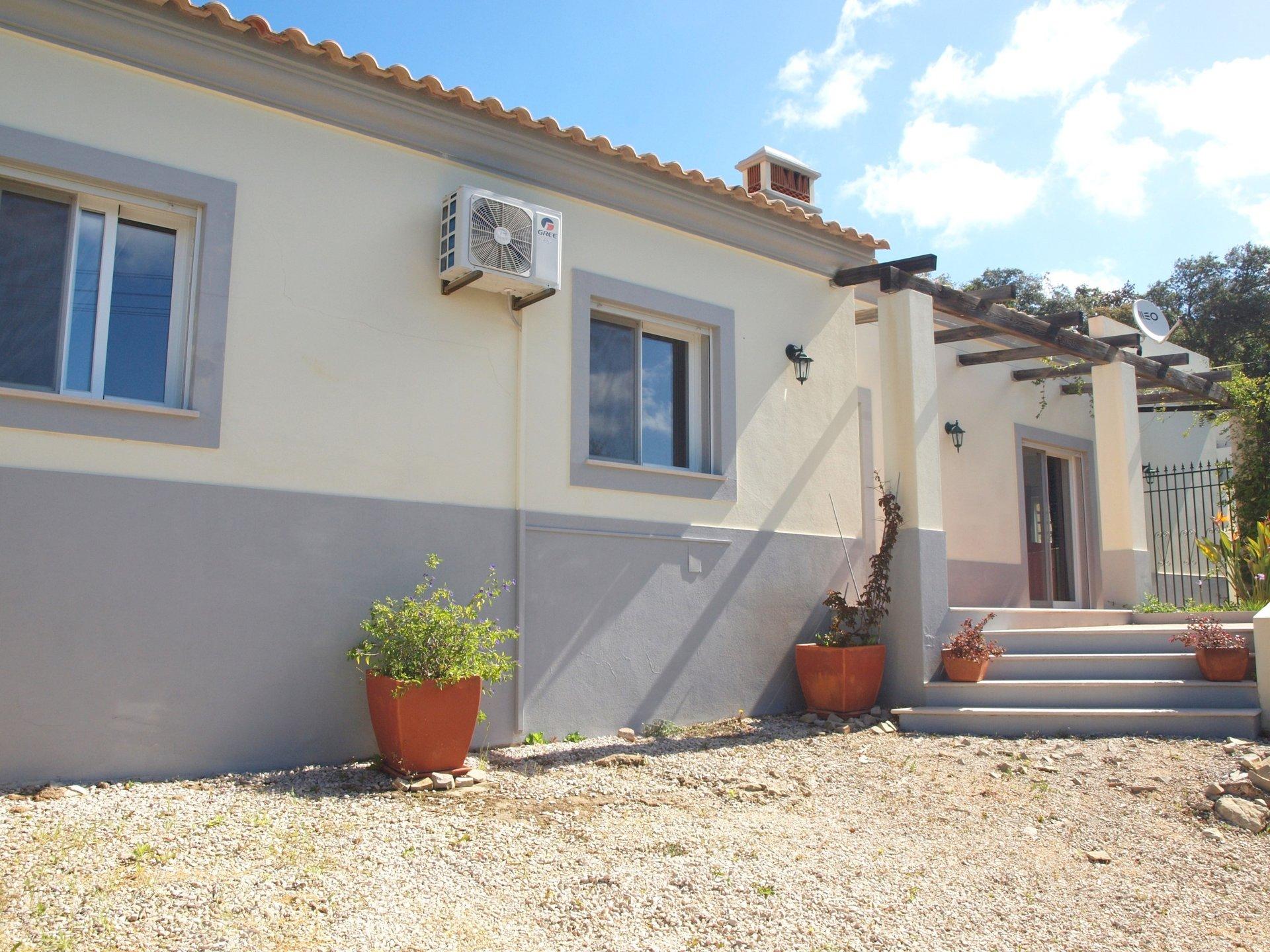4 Bedroom Villa Sao Bras de Alportel, Central Algarve Ref: RV5413