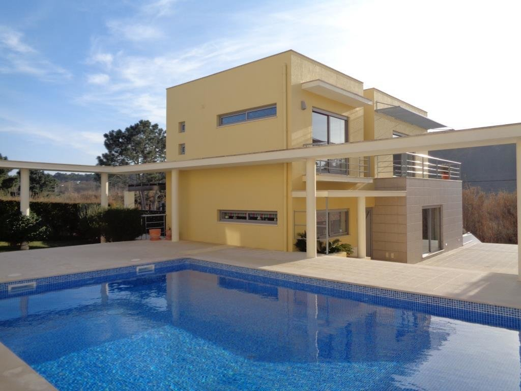 3 Bedroom Villa Foz do Arelho, Silver Coast Ref: AV2103