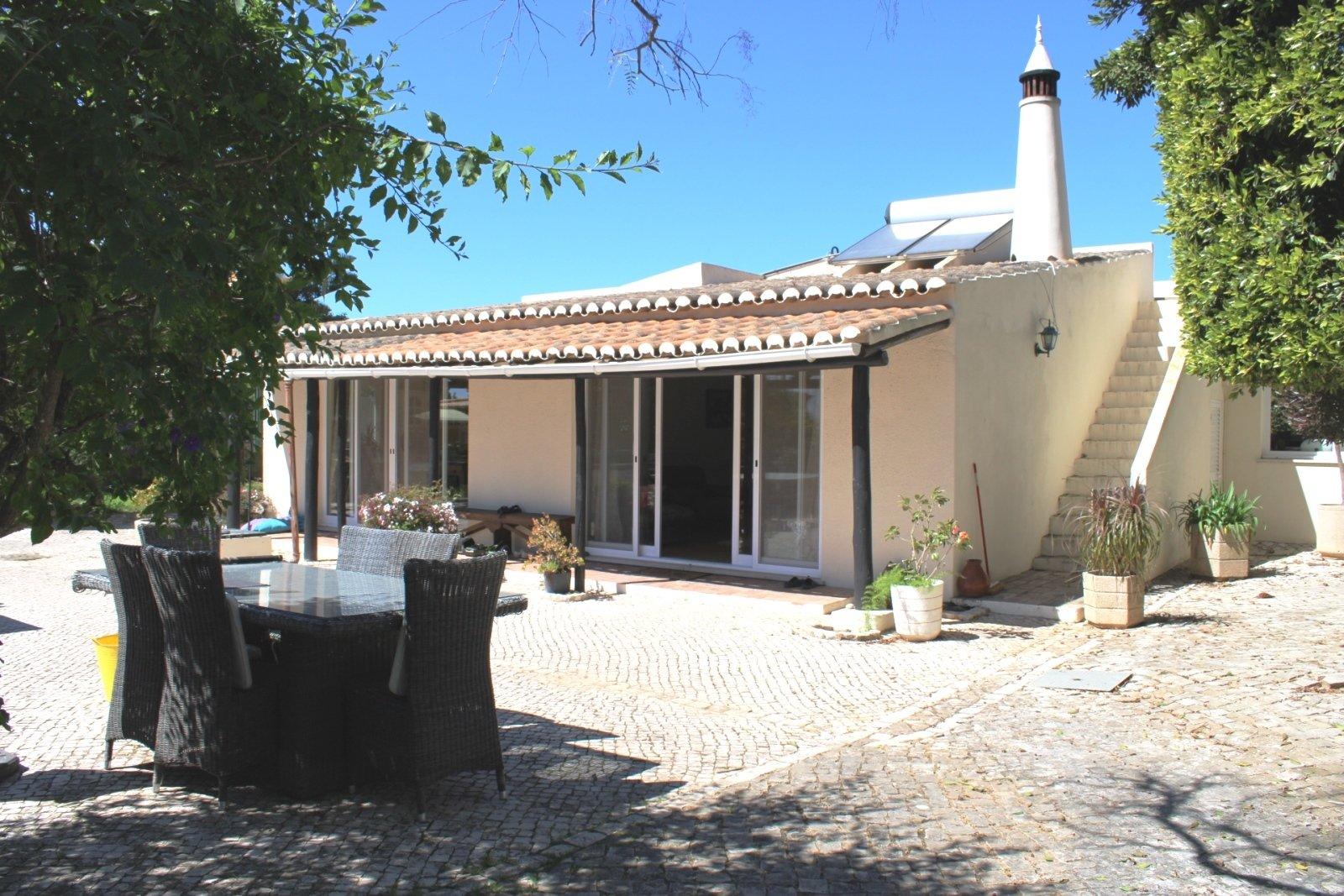 4 Bedroom Villa Praia da Luz, Western Algarve Ref: GV616