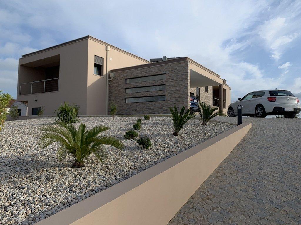 4 Bedroom Villa Caldas da Rainha, Silver Coast Ref: AV2110