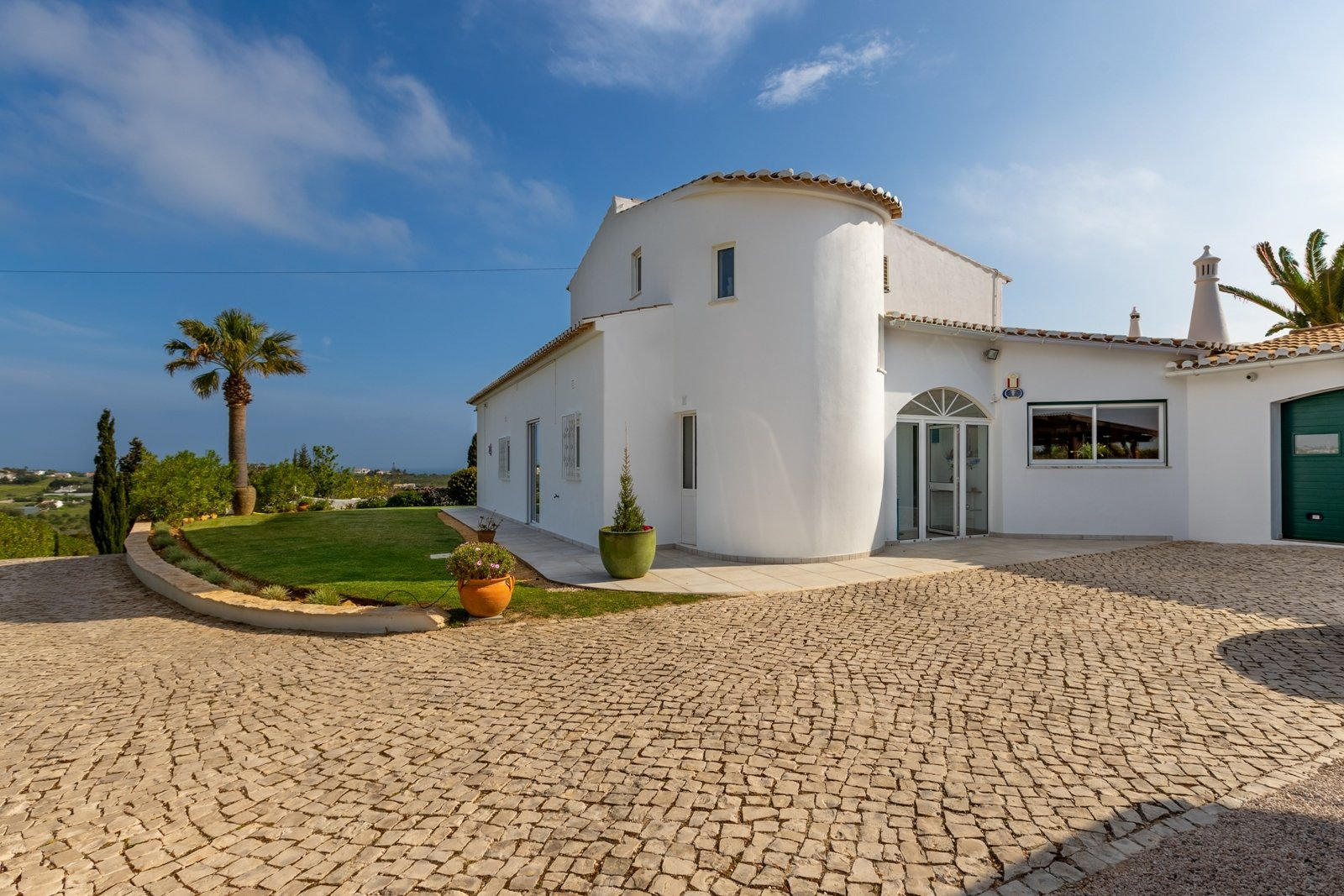 4 Bedroom Villa Praia da Luz, Western Algarve Ref: GV544