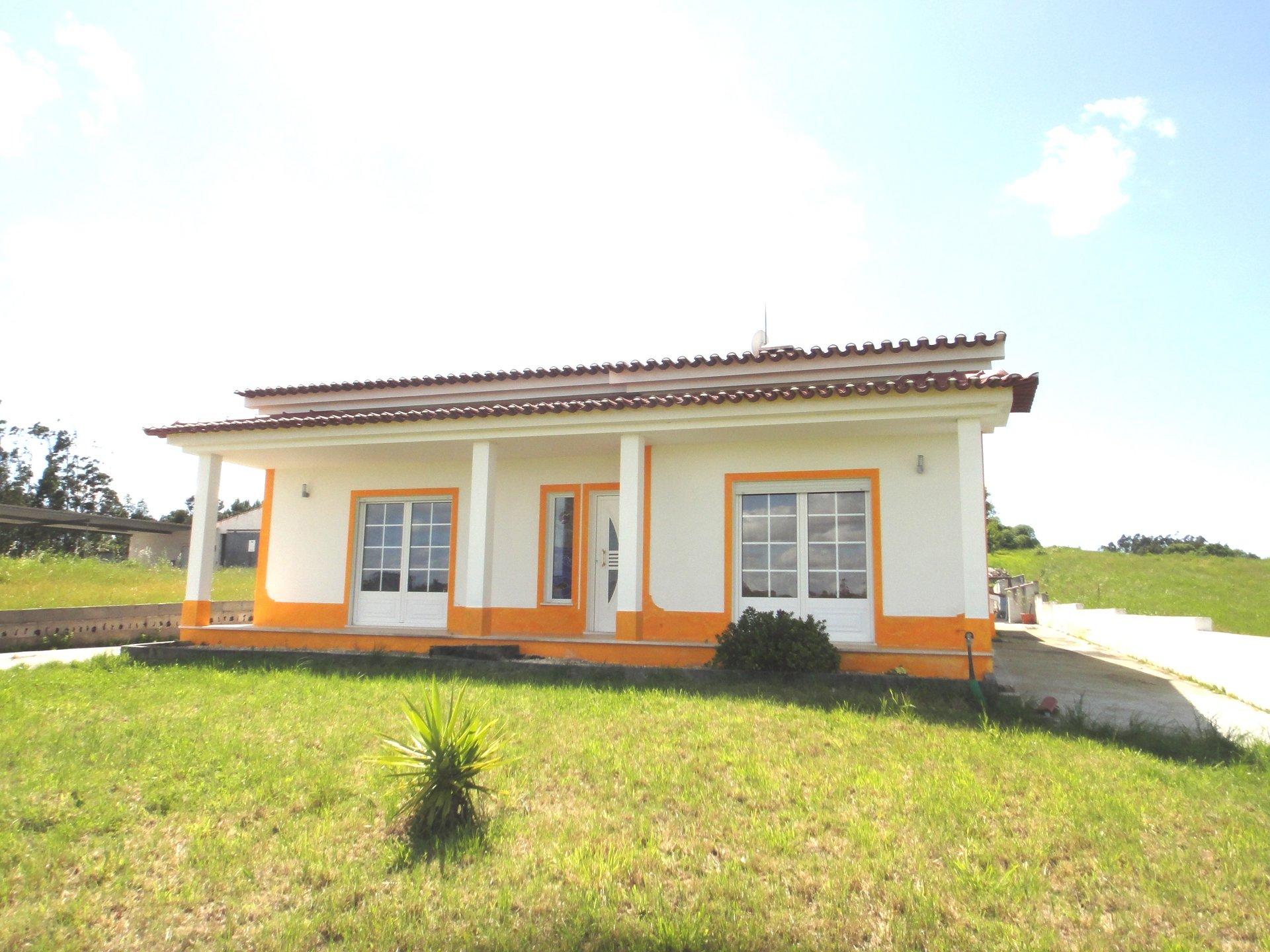 3 Bedroom Villa Caldas da Rainha, Silver Coast Ref: AV2116