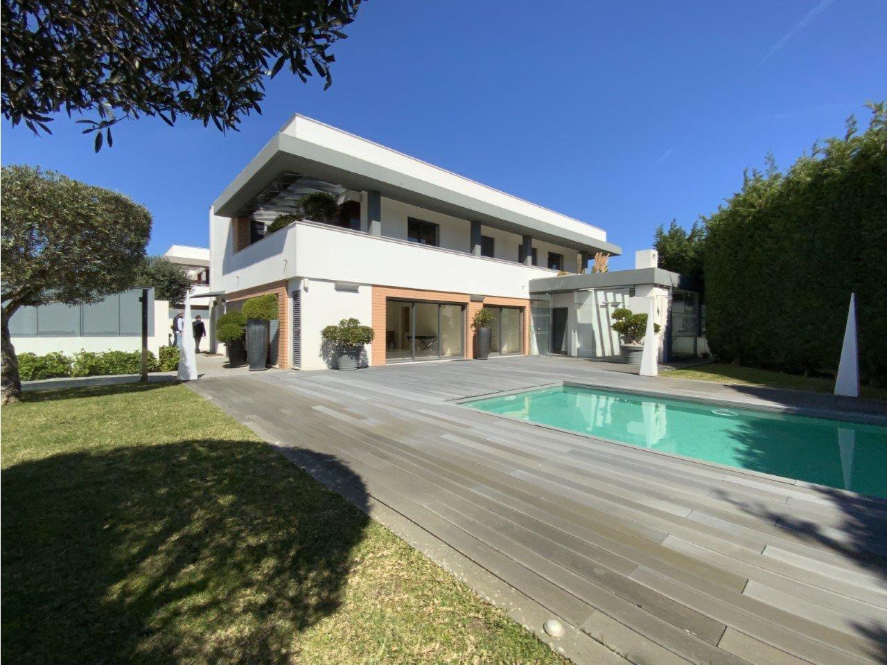 5 Bedroom Villa Sintra, Lisbon Ref: AMV14423