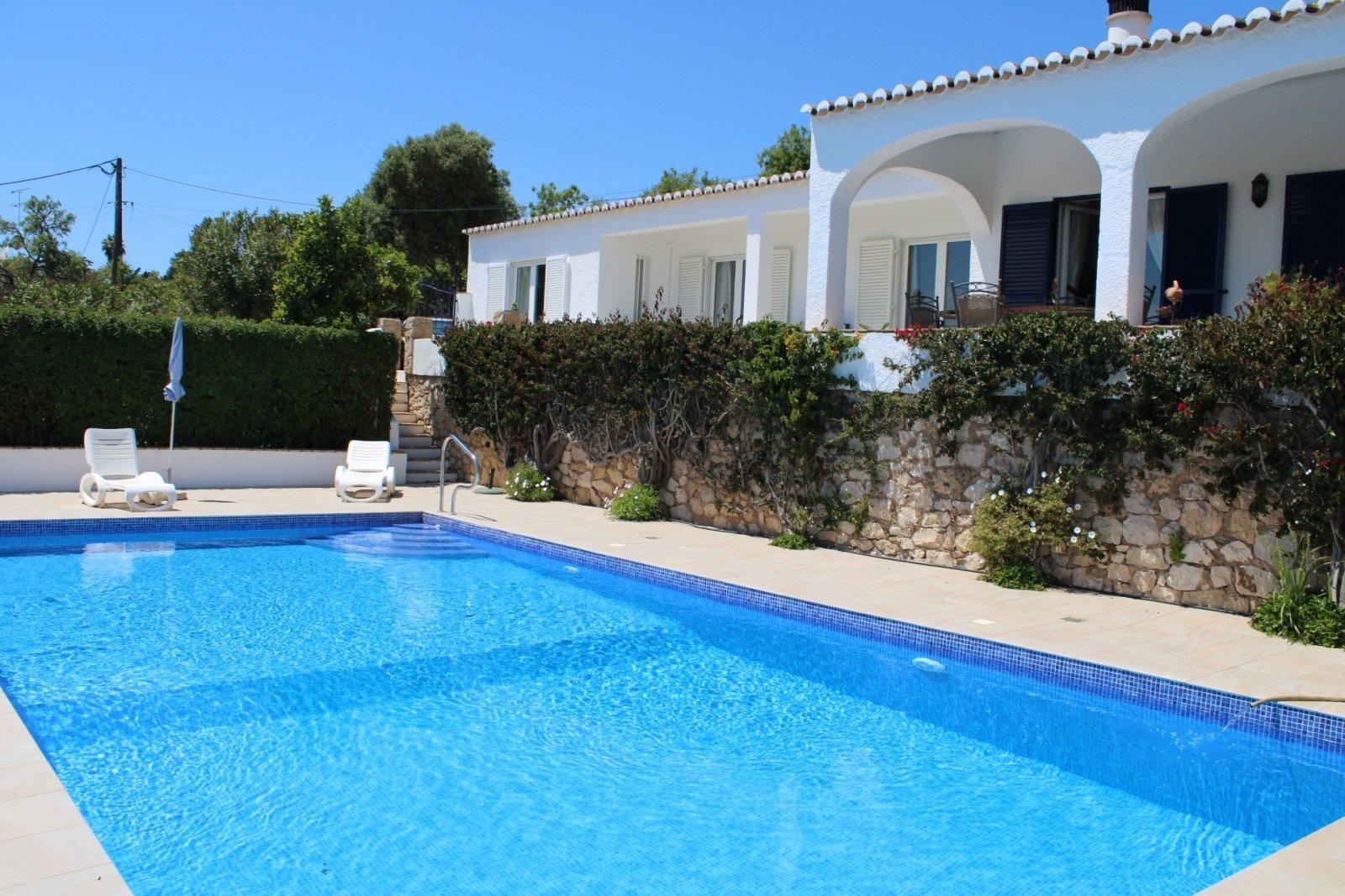 4 Bedroom Villa Praia da Luz, Western Algarve Ref: GV620