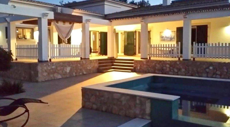 5 Bedroom Villa Sao Bras de Alportel, Central Algarve Ref: RV5468