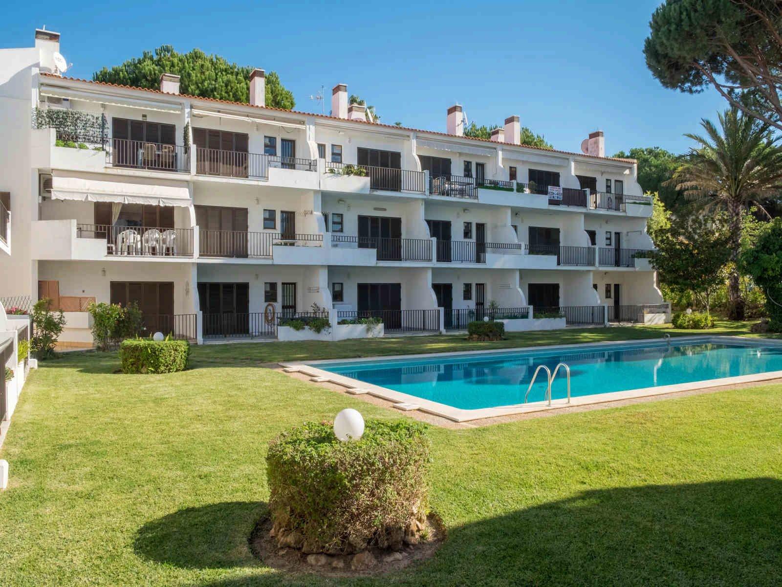 1 Bedroom Apartment Vilamoura, Central Algarve Ref: PA3632