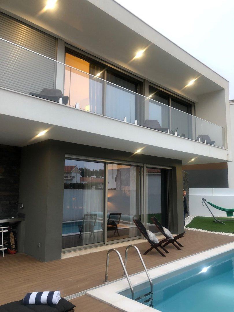 3 Bedroom Villa Sao Martinho do Porto, Silver Coast Ref: AV2121