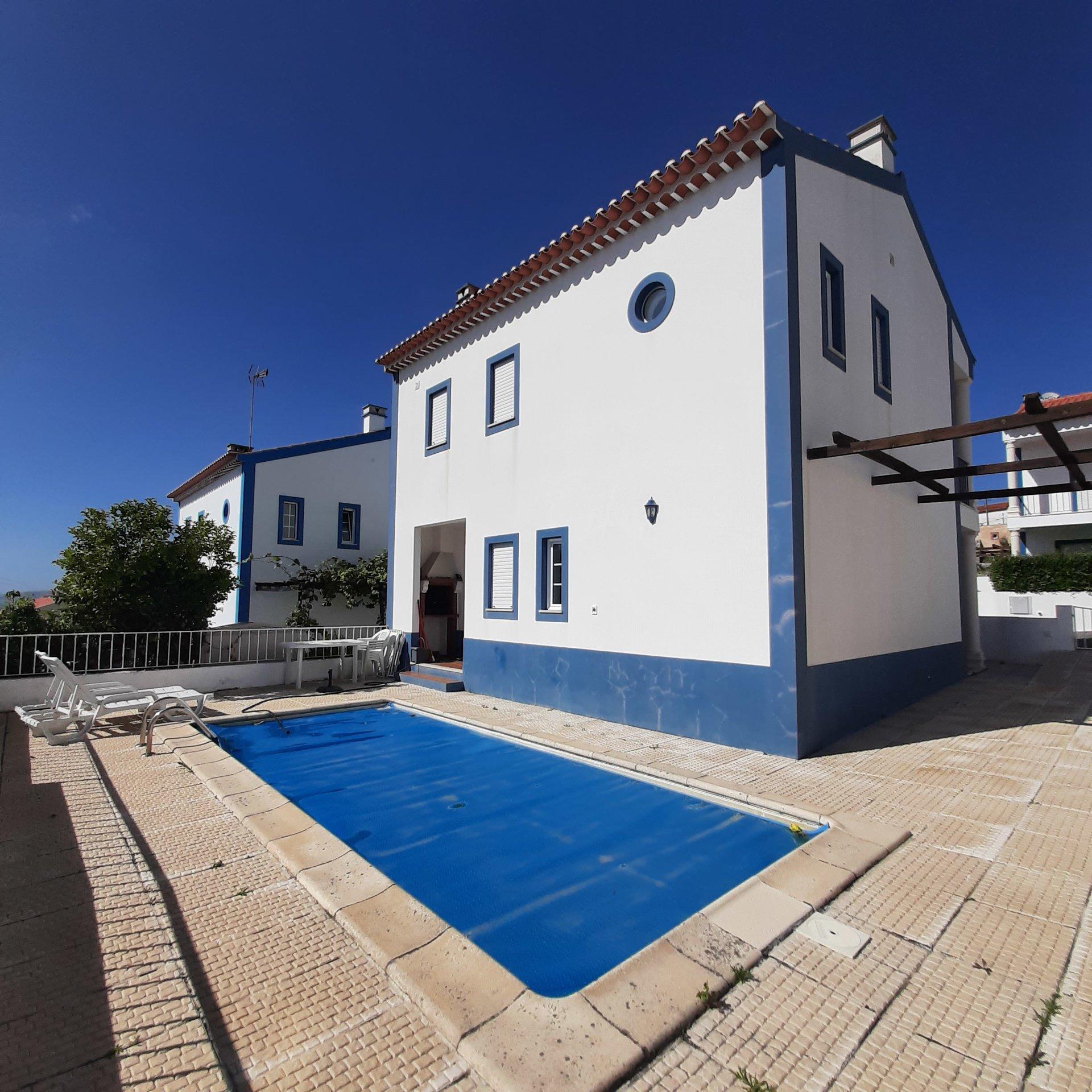 2 Bedroom Villa Obidos, Silver Coast Ref: AV2122