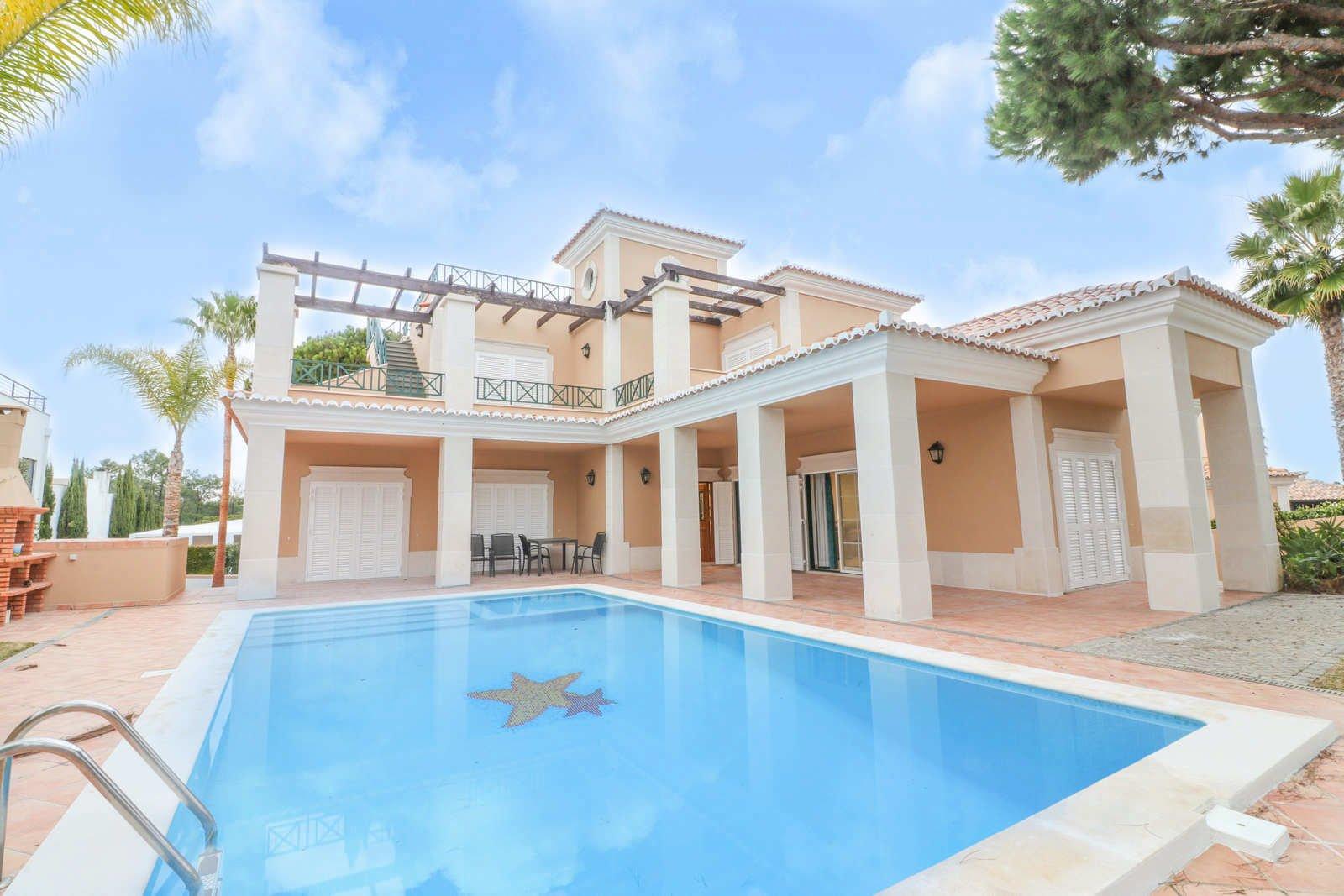 4 Bedroom Villa Almancil, Central Algarve Ref: PV3635