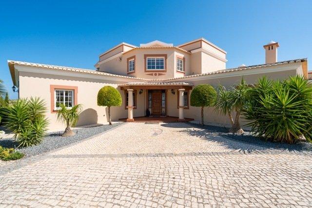 6 Bedroom Villa Praia da Luz, Western Algarve Ref: GV625