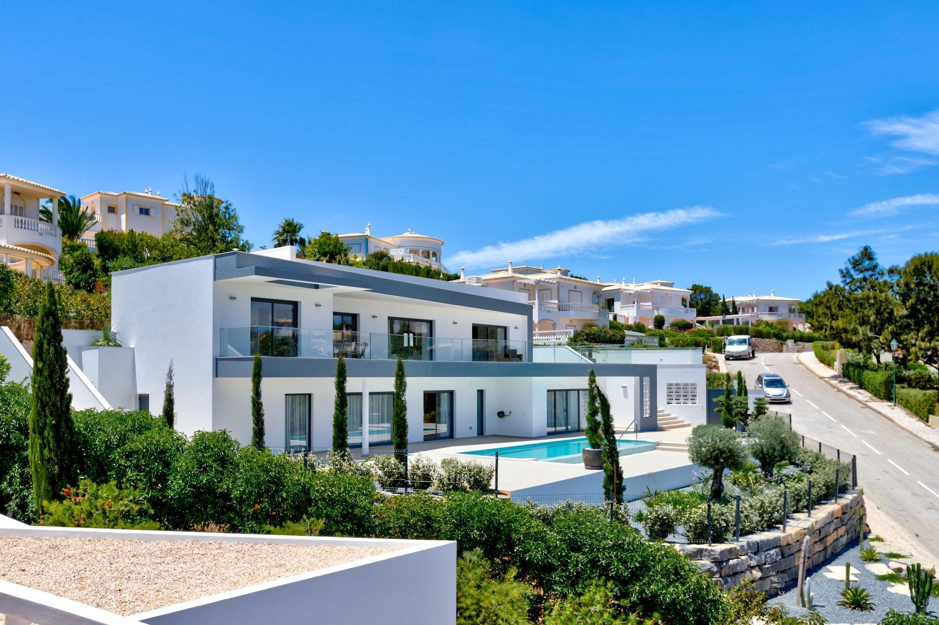 4 Bedroom Villa Vila do Bispo, Western Algarve Ref: GV627