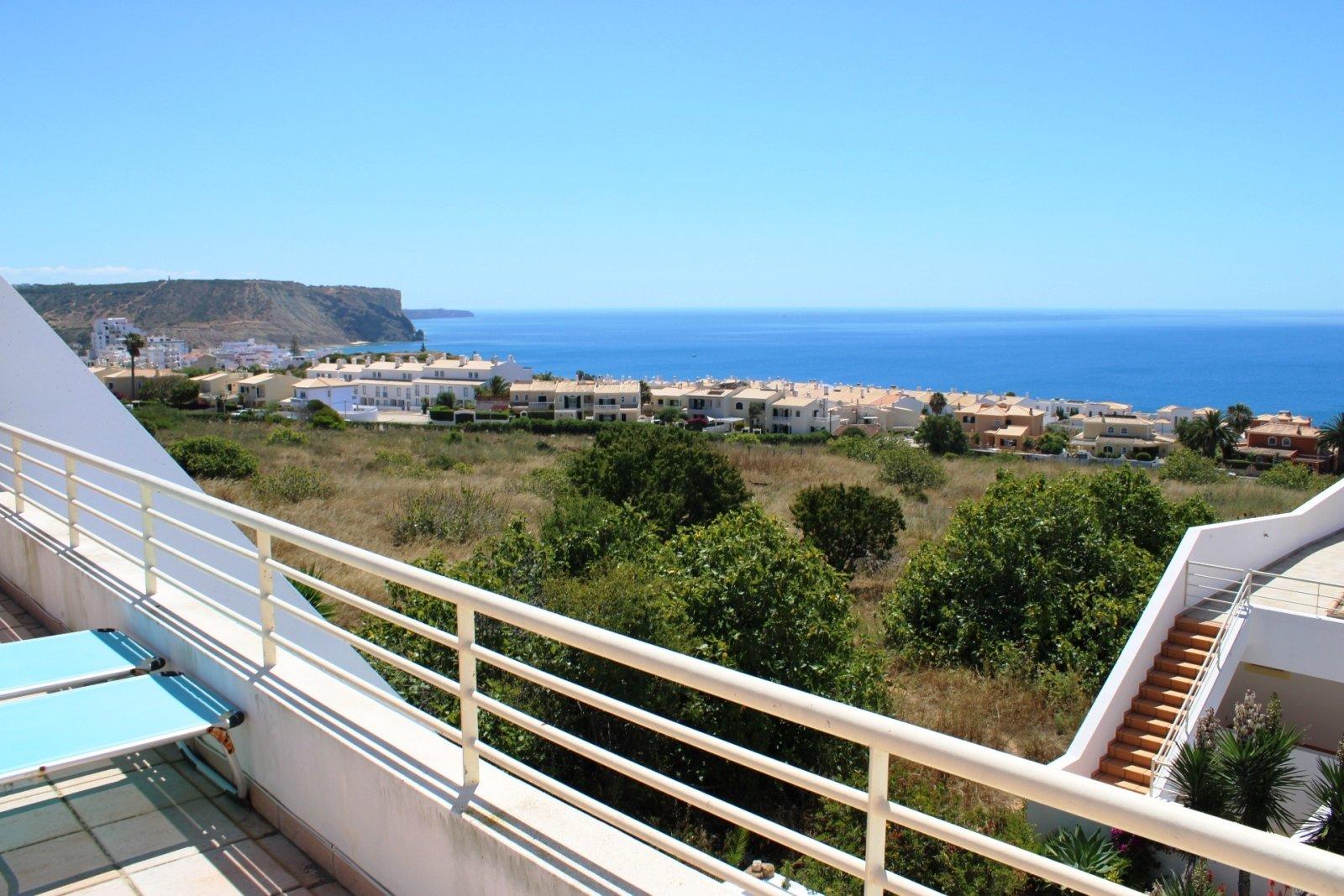 4 Bedroom Townhouse Praia da Luz, Western Algarve Ref: GV628