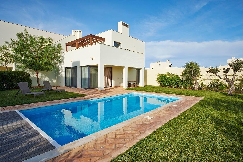 2 Bedroom Villa Vila do Bispo, Western Algarve Ref: ASV238D