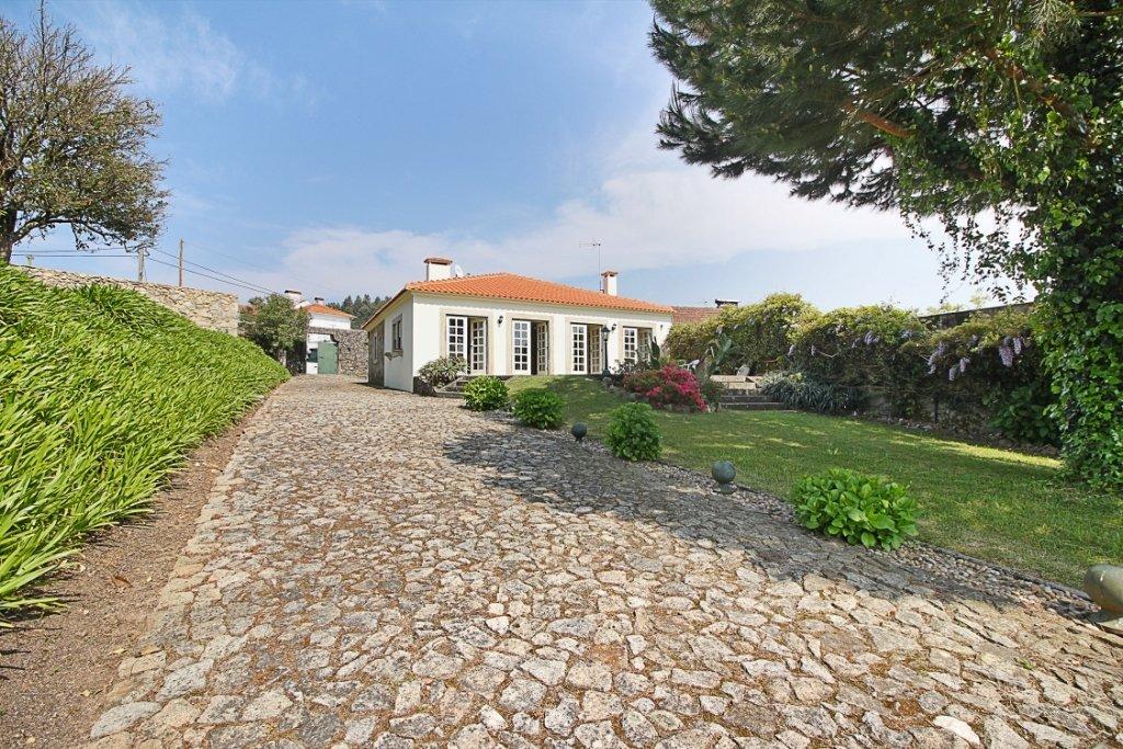 3 Bedroom Farm Santa Maria da Feira, Porto Ref: ASV233