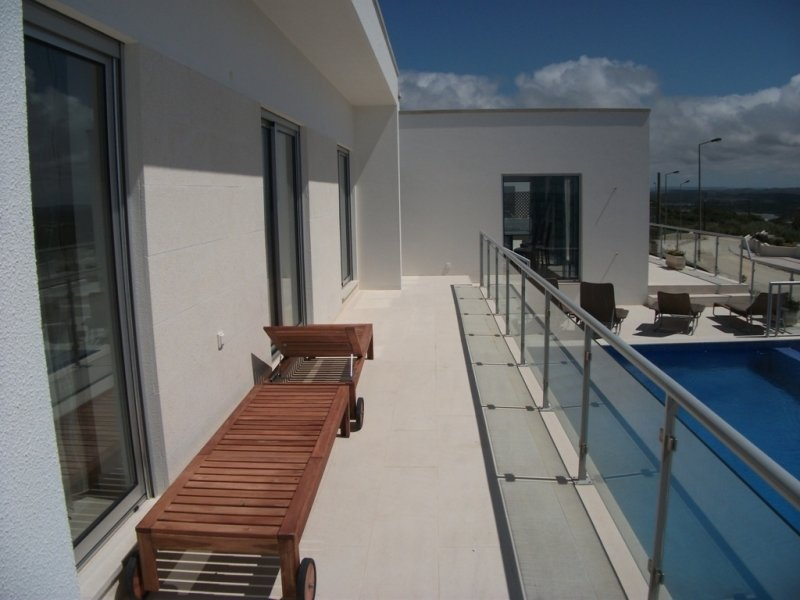 5 Bedroom Villa Foz do Arelho, Silver Coast Ref: AV1024