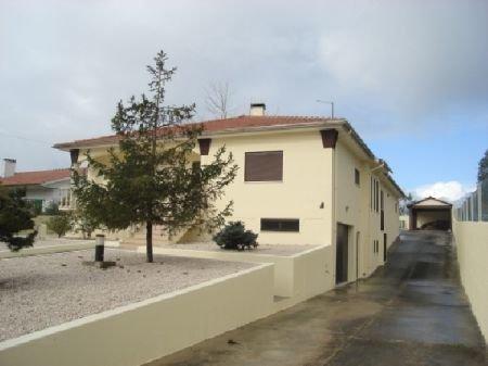4 Bedroom Villa Caldas da Rainha, Silver Coast Ref: AV609