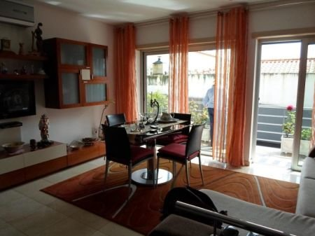 2 Bedroom Apartment Sao Martinho do Porto, Silver Coast Ref: AA188