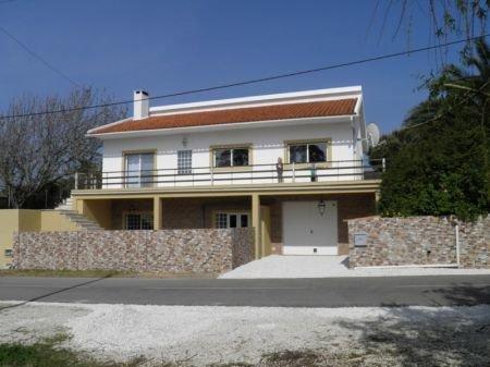 4 Bedroom Villa Sao Martinho do Porto, Silver Coast Ref: AV1193