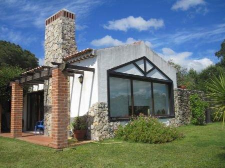 2 Bedroom Villa Caldas da Rainha, Silver Coast Ref: AV1205