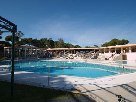 1 Bedroom Apartment Quinta Do Lago, Central Algarve Ref: DA3347