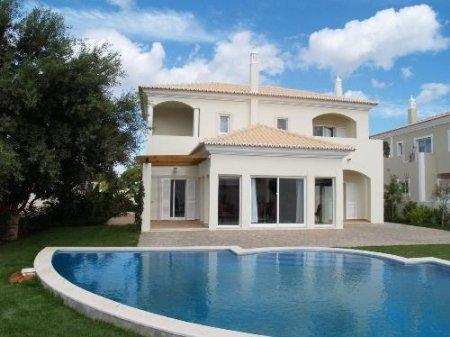 4 Bedroom Villa Vale do Lobo, Central Algarve Ref: DV354