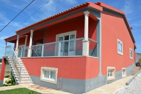 3 Bedroom Villa Foz do Arelho, Silver Coast Ref: AV1246