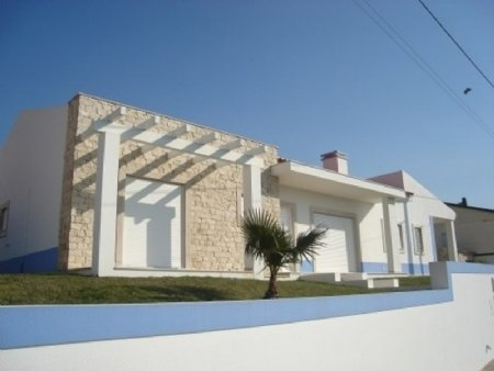 3 Bedroom Villa Sao Martinho do Porto, Silver Coast Ref: AV1252