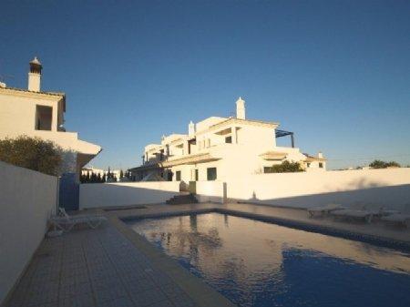 3 Bedroom Townhouse Almancil, Central Algarve Ref: DV5972