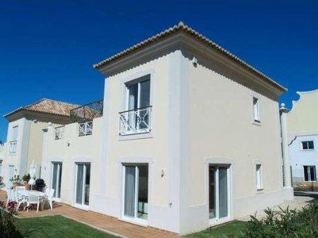 3 Bedroom Villa Almancil, Central Algarve Ref: DV4872