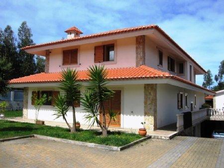 5 Bedroom Villa Foz do Arelho, Silver Coast Ref: AV1340