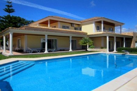 5 Bedroom Villa Sesimbra, Blue Coast Ref: AV1347