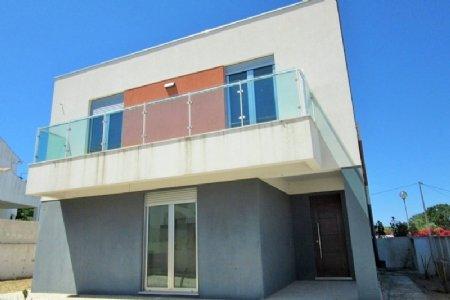 3 Bedroom Villa Sesimbra, Blue Coast Ref: AV1349