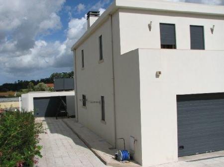 4 Bedroom Villa Caldas da Rainha, Silver Coast Ref: AV804