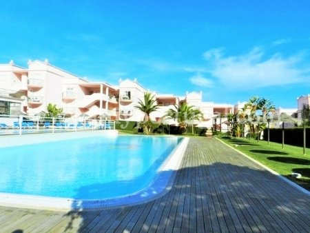 2 Bedroom Apartment Praia da Luz, Western Algarve Ref: GA174