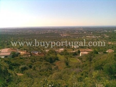 4 Bedroom Plot Santa Barbara de Nexe, Central Algarve Ref: DP6074