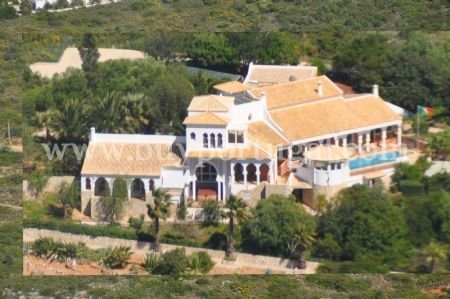 4 Bedroom Villa Loule, Central Algarve Ref: DV6080