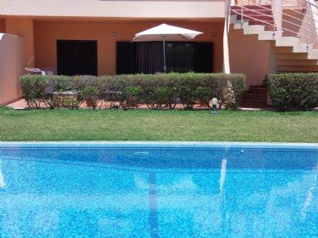 2 Bedroom Apartment Vilamoura, Central Algarve Ref: PA3174