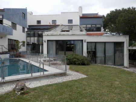 7 Bedroom Villa Cascais, Lisbon Ref: AV1518