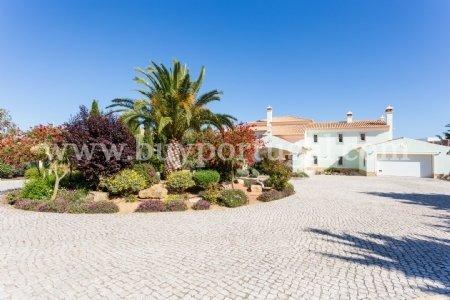 5 Bedroom Villa Burgau, Western Algarve Ref: GV434