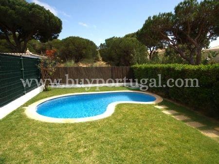 3 Bedroom Townhouse Vale do Lobo, Central Algarve Ref: DV371
