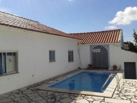 5 Bedroom Villa Caldas da Rainha, Silver Coast Ref: AV1540