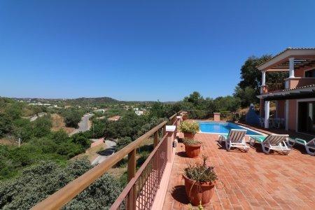 6 Bedroom Villa Sao Bras de Alportel, Central Algarve Ref: JV10075