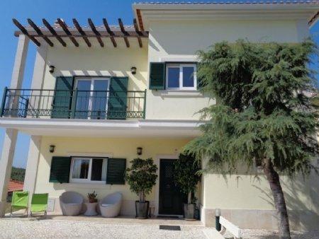 4 Bedroom Villa Cadaval, Silver Coast Ref: AV1580