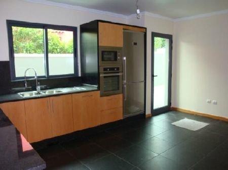 3 Bedroom Villa Funchal, Madeira Ref: AVM10