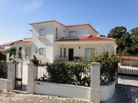 7 Bedroom Villa Caldas da Rainha, Silver Coast Ref: AV864
