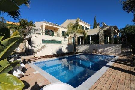 4 Bedroom Villa Sao Bras de Alportel, Central Algarve Ref: JV10111