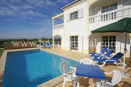 4 Bedroom Villa Budens, Western Algarve Ref: GV480