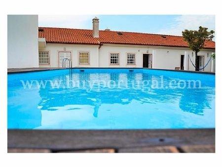 4 Bedroom Villa Porto, Porto Ref: AV1709